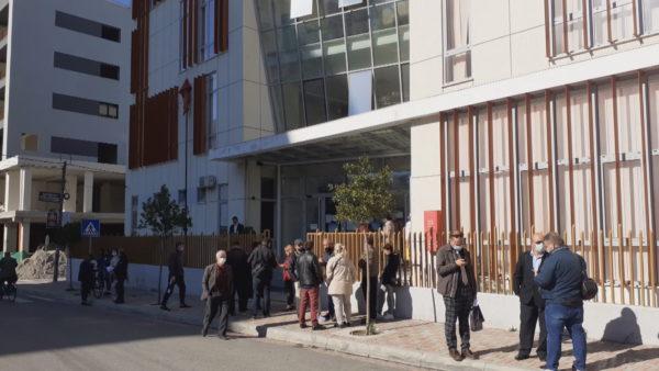 Tri punonjëse të infektuara, Covid pezullon punën e Gjykatës në Elbasan