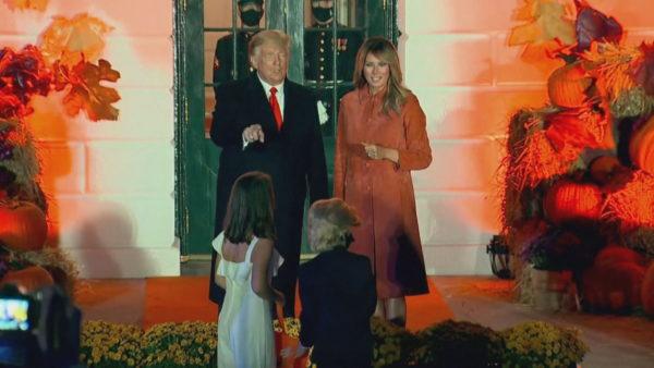 Halloween në Shtëpinë e Bardhë, mini Trump dhe mini Melania, protagonistë të mbrëmjes