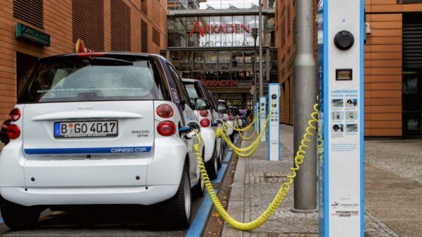 Mbrojtja e klimës, Gjermania do të mbushë rrugët me makina elektrike