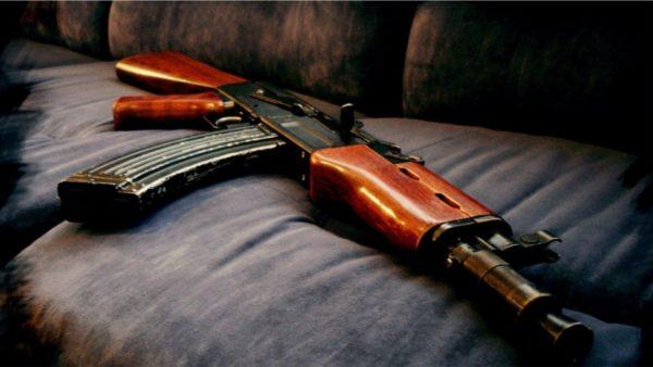 Breshëri armësh, në alarm policia e Vlorës dhe Fierit