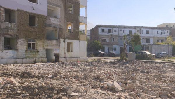Laçi pas tërmetit, prishja e pallateve nis pas 1 viti, banesat e reja pas qershorit