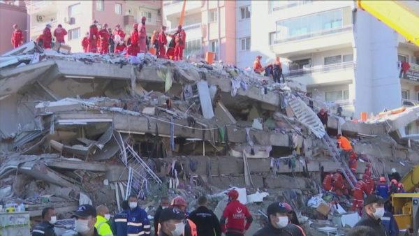 Rritet bilanci i viktimave nga tërmeti në Turqi