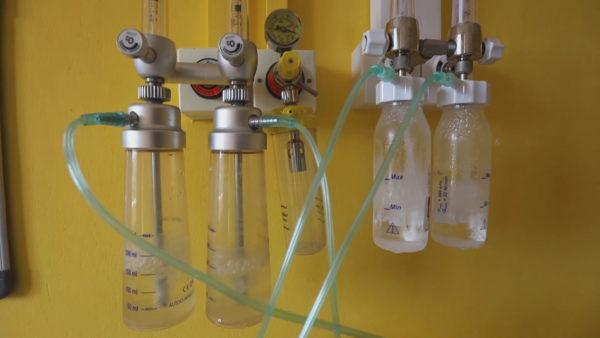 Pacientët në vetizolim, mjeku i familjes: Antibiotikët dhe bombolën e oksigjenit nuk i sugjerojmë