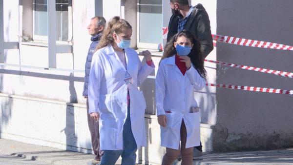 Punësimi i infermierëve, ekspertët: Kërkesa për arsimin e lartë, por rekrutohen nga Gjermania