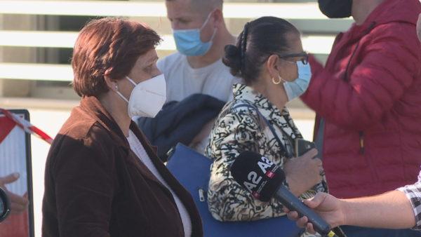 Spitalet COVID në kaos, familjarët: Vonohet shtrimi i pacientëve, nuk na japin informacion