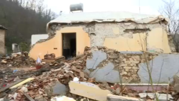 Rindërtimi në Bubq, në mars nis largimi i vështirë prej shtëpive të rrënuara