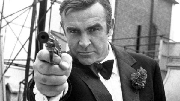 Sean Connery, nga vrojtues plazhi në ikonën e kinematografisë