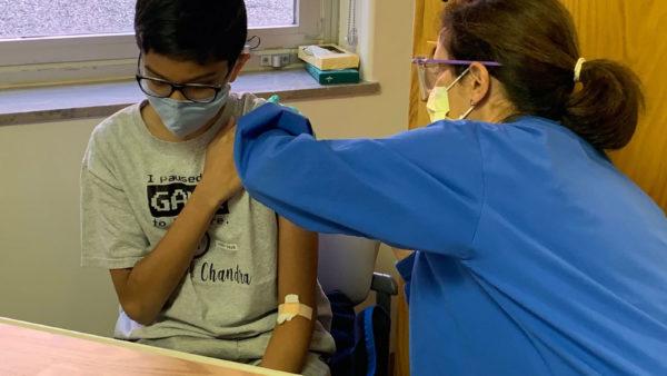 Vaksina e Pfizer, FDA pritet të aprovojë përdorimin te fëmijët
