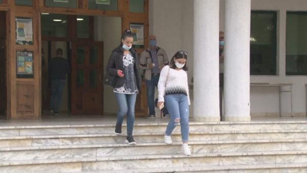 Studentët braktisin Tiranën, këtë vit më shumë regjistrime në universitetet e rretheve