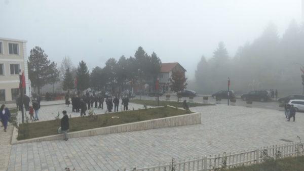 """Tropoja """"zonë e kuqe"""", qytetarët ende të pandërgjegjësuar për masat"""