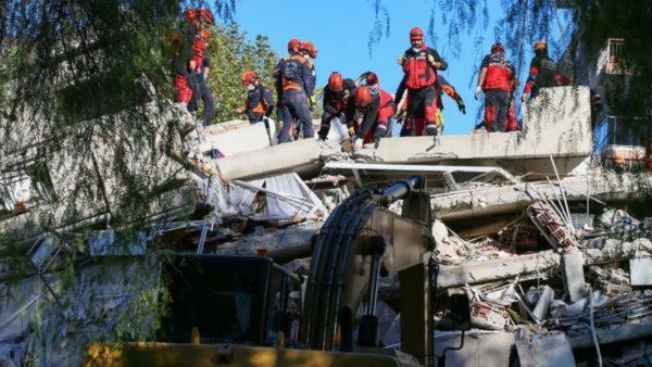 Tërmeti në Turqi, rëndohet bilanci i viktimave