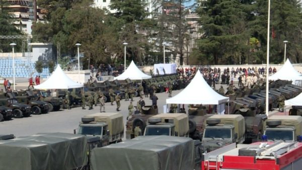 """""""Bujaria"""" e Ruçit, kryeparlamentari propozon faljen e detyrimeve të ish-ushtarakëve"""