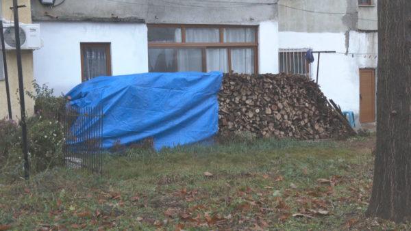 Kukës, vështirësi për ngrohje, pensionistët: Nuk na del, heqim ushqimin për drutë
