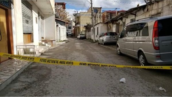 Plagosi kunatin, arrestohet 15-vjeçari