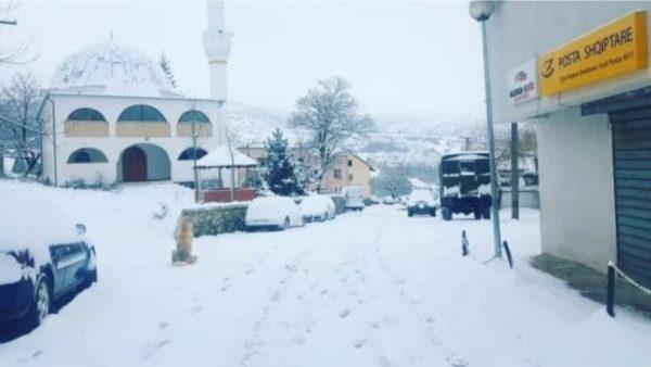 Verilindja zbardhet nga bora, nuk ka probleme në qarkullimin e automjeteve