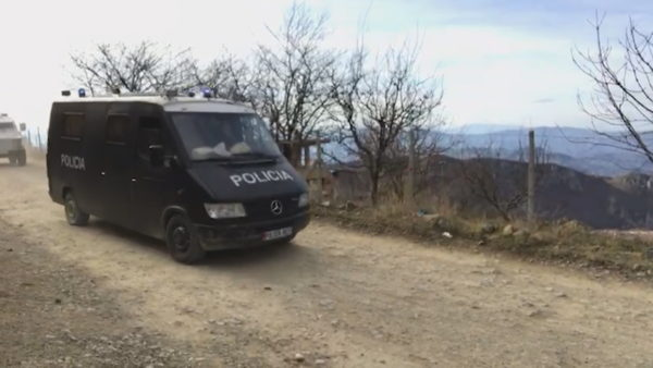 Rezistencë ndaj policisë. Ndërhyn RENEA, e plagosin në këmbë 45-vjeçarin në Elbasan