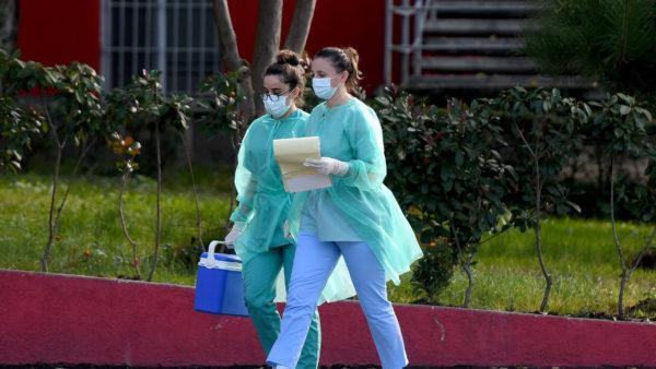 Koronavirusi në Shqipëri, 3 të vdekur në 24 orët e fundit, 1011 të shëruar