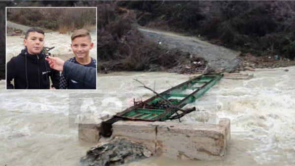 """""""Erdhëm për Vitin e Ri dhe mbetëm këtu"""". Uji shkatërron urën, banorët bllokohen në fshat"""