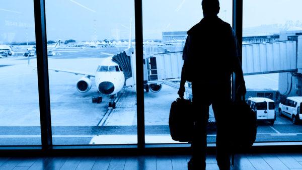 Emigrimi i intelektualëve, ekspertët: Ndikojnë pagat e ulëta dhe mosgjetja e punës