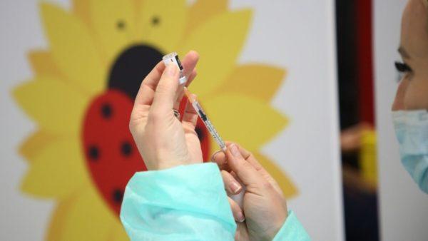 Dilema për vaksinën, cili është realiteti në Shqipëri?