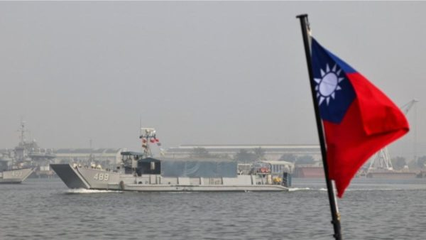 Rinisin manovrat kineze në Tajvan, Pekini: Pavarësia e shpallur do të thotë luftë