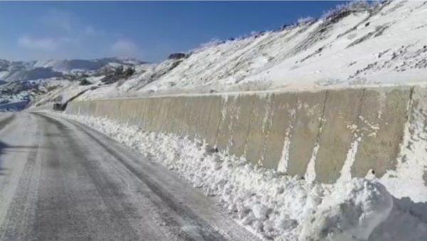 Korçë, në rrugët nacionale kalohet pa zinxhirë, disa fshatra të izoluar dhe pa energji