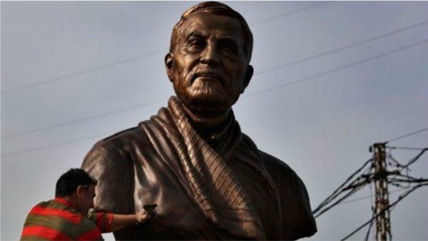 """Ngrihet statujë për gjeneralin e ekzekutuar nga SHBA, protesta në vendin që """"sheh"""" nga Teherani"""