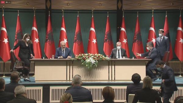 BE vs. Turqi, solidariteti me Shqipërinë pas tërmetit dhe Covid