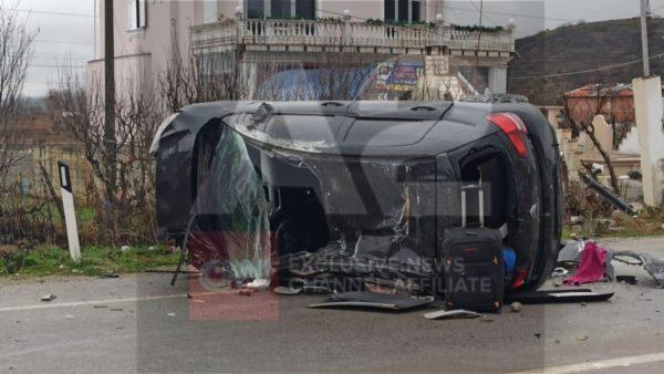 Aksidentohet një automjet në Maliq, plagoset drejtuesi
