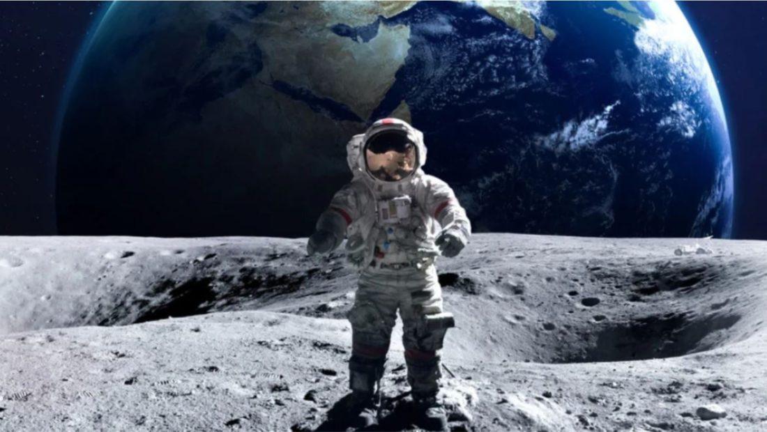 astronaut 1100x620