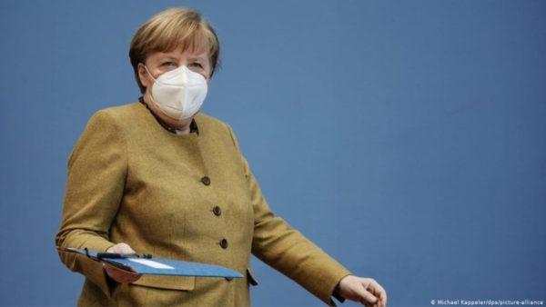 Nuk merr parasysh kundërshtimet, Merkel këmbëngul në mbajtjen e Samitit me Putin