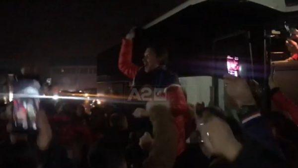 Entuziazëm i madh në Shkodër për fitoren e Vllaznisë, policia shpërndanë tifozët