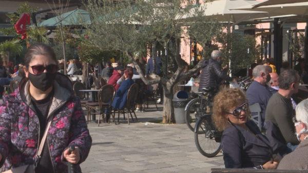 Masat nuk mjaftojnë, Alimehmeti: Të mbyllen baret dhe transporti publik