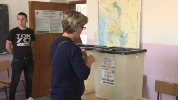 KQZ mbyll regjistrimin, 46 parti kërkojnë vota më 25 prill, 4 përjashtohen