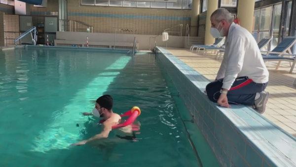 Mjekët në Itali, pas covidit, rimëkëmbja vjen me fizioterapi në ujërat termale