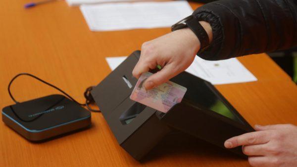 Teknologjia në zgjedhje, identifikimi kalon me sukses, votimi e numërimi në Njësinë 8