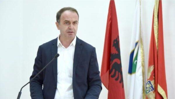 Nik Gjeloshaj kundërshton masat anticovid në Tuz, nis hetimi për vepër penale