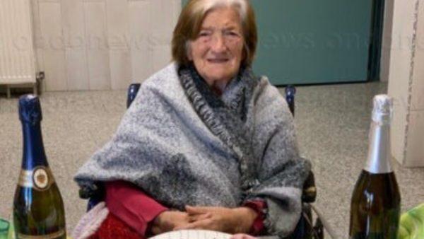 Stërgjyshja me Covid feston 101-vjetorin e lindjes