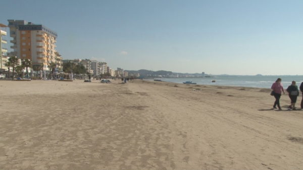 Sezoni veror në Durrës, biznesi: Të vaksinohen punonjësit e hoteleve
