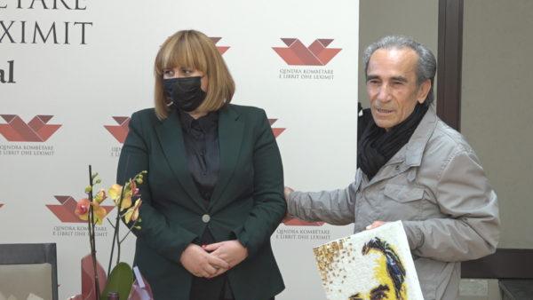 75-vjetori i Zija Çelës, duartrokitet shkrimtari që nuk e humb kurrë buzëqeshjen