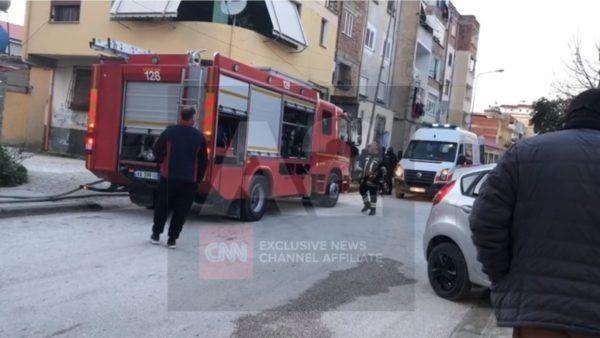 Merr zjarr banesa, ndërron jetë e moshuara në Vlorë