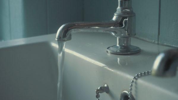 Furnizmi me ujë, reforma nuk përmirësoi situatën për qytetarët