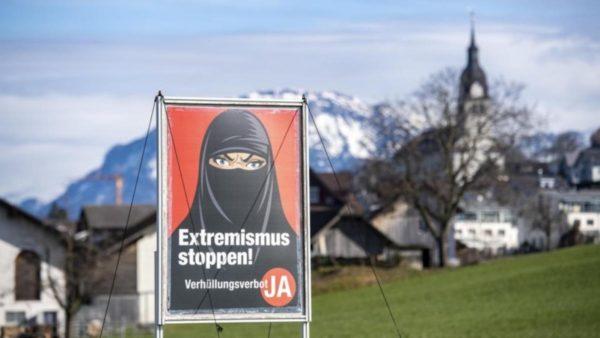 """Zvicër, polemika pas fitores së referendumit """"anti-burka"""""""