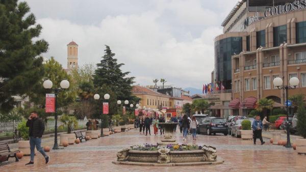 """Shkodra """"mbetet"""" blu,  dilema e qytetarëve: A do të ketë investime?"""