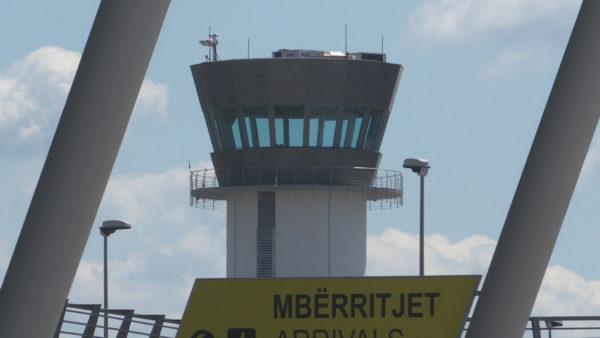 """Policia referoi """"Rinasin"""", dëshmia: Mora dijeni në pistë se avioni ishte kthyer pas gjatë fluturimit"""