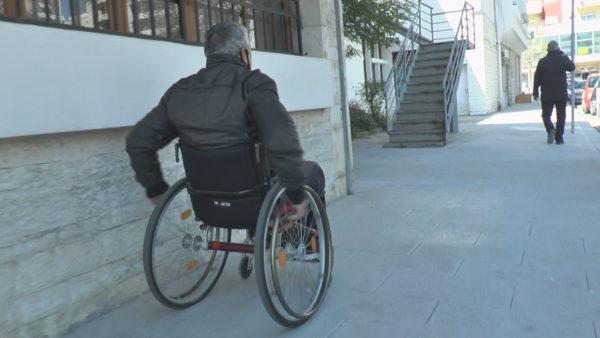 Vështirësitë e PAK në Vlorë: Mungon qasja në infrastrukturë dhe shëndetësi