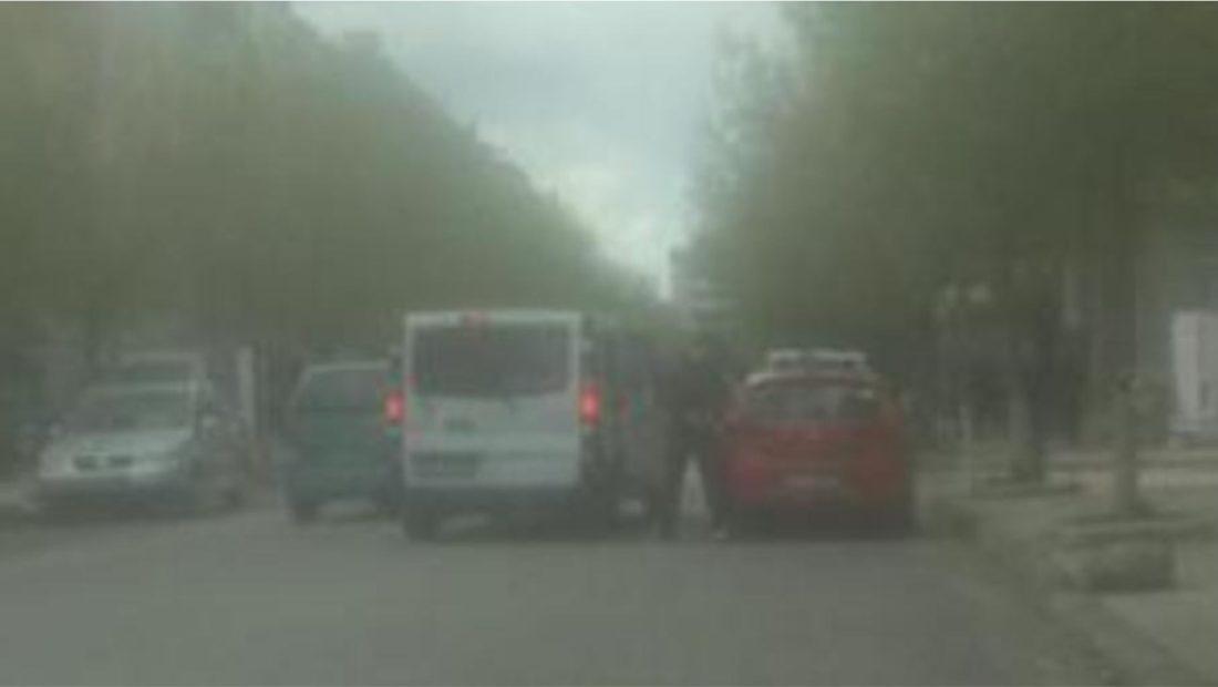 Arbër Paplekaj ka vjedhur nën kërcënimin e armës makinën e një qytetari për  t'u vetëdorëzuar – A2 CNN