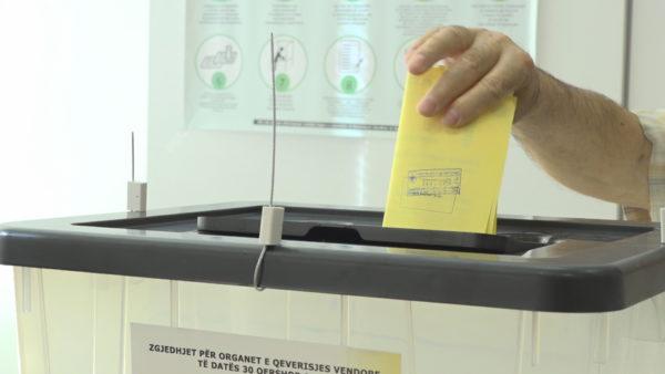 Fleta e votimit, ekspertët: Rrezikon zgjedhjet, rrit konfuzionin te votuesit