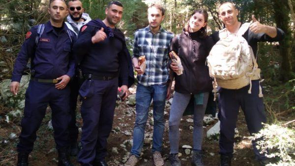 Pas 26 orëve kërkimi shpëtohen 3 turistë holandezë të bllokuar në Llogara