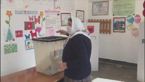 PD publikon dokumentin për parregullsitë në zgjedhje: 19 persona në Berat votuan 53 herë